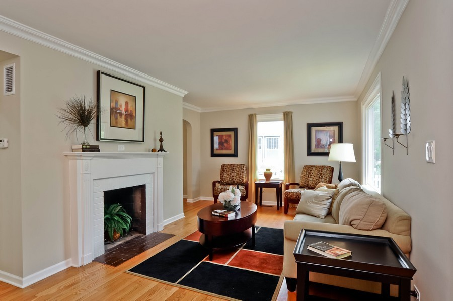 Real Estate Photography - 568 Chicago Ave, Highland Park, IL, 60035 - Living Room