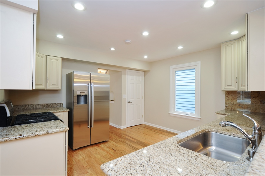 Real Estate Photography - 568 Chicago Ave, Highland Park, IL, 60035 - Kitchen
