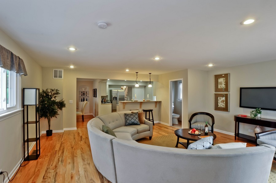 Real Estate Photography - 568 Chicago Ave, Highland Park, IL, 60035 - Family Room / Kitchen