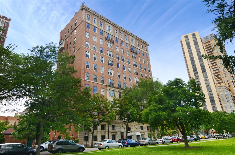 Real Estate Photography - 2450 North Lakeview Ave, 10, Chicago, IL, 60614 - 2450