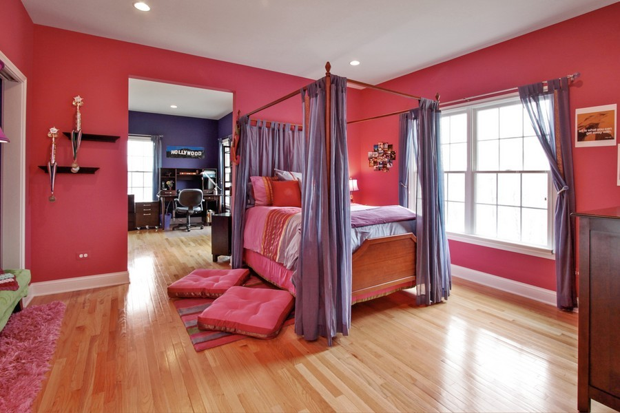 Real Estate Photography - 5331 Notting Hill Rd, Gurnee, IL, 60031 - 2nd Bedroom