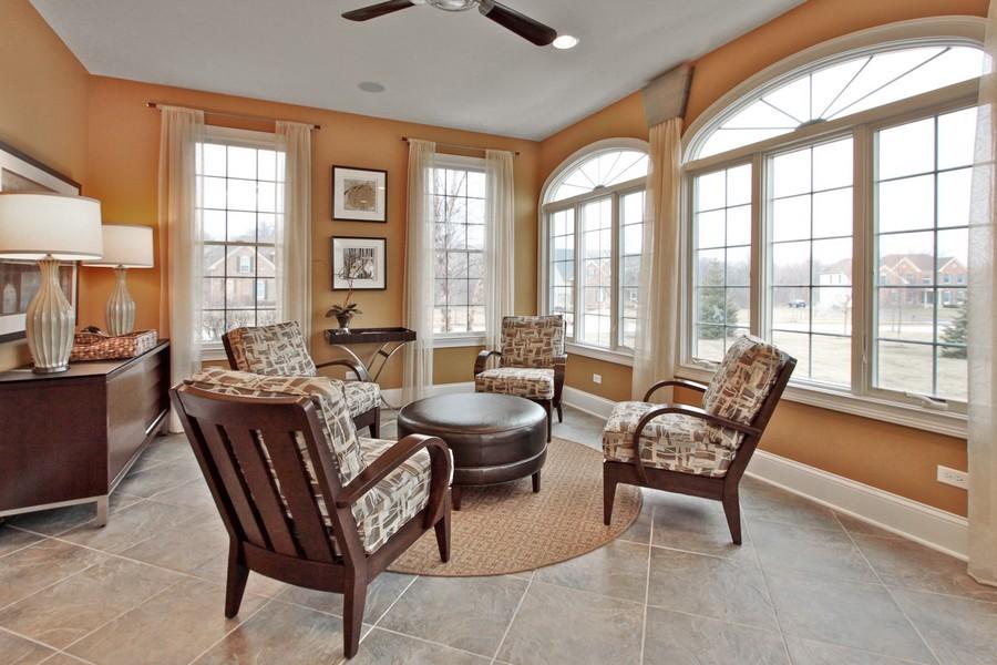 Real Estate Photography - 5331 Notting Hill Rd, Gurnee, IL, 60031 - Bonus Room
