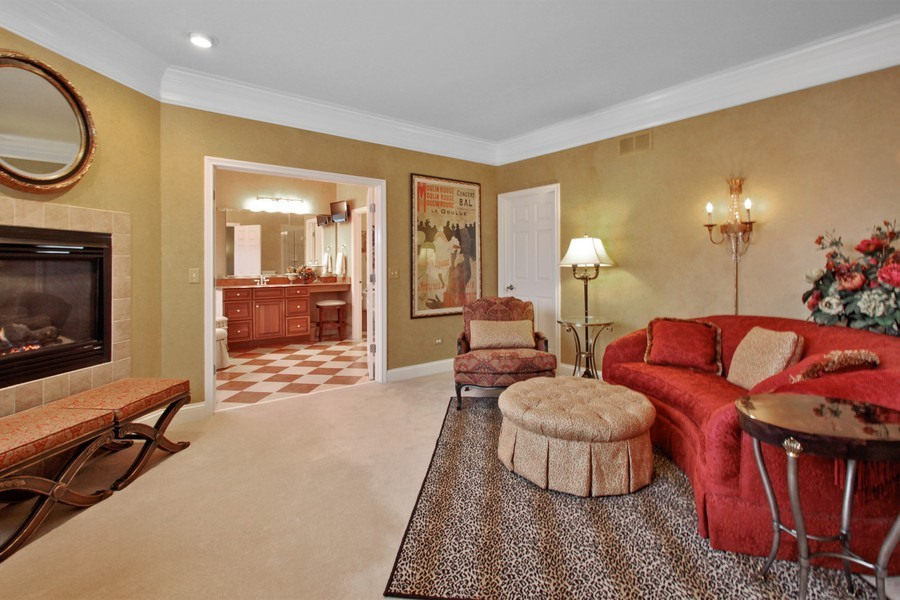 Real Estate Photography - 5331 Notting Hill Rd, Gurnee, IL, 60031 - Master Bedroom