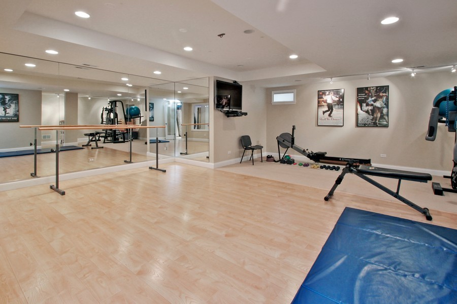 Real Estate Photography - 5331 Notting Hill Road, Gurnee, IL, 60031 - Exercise Room