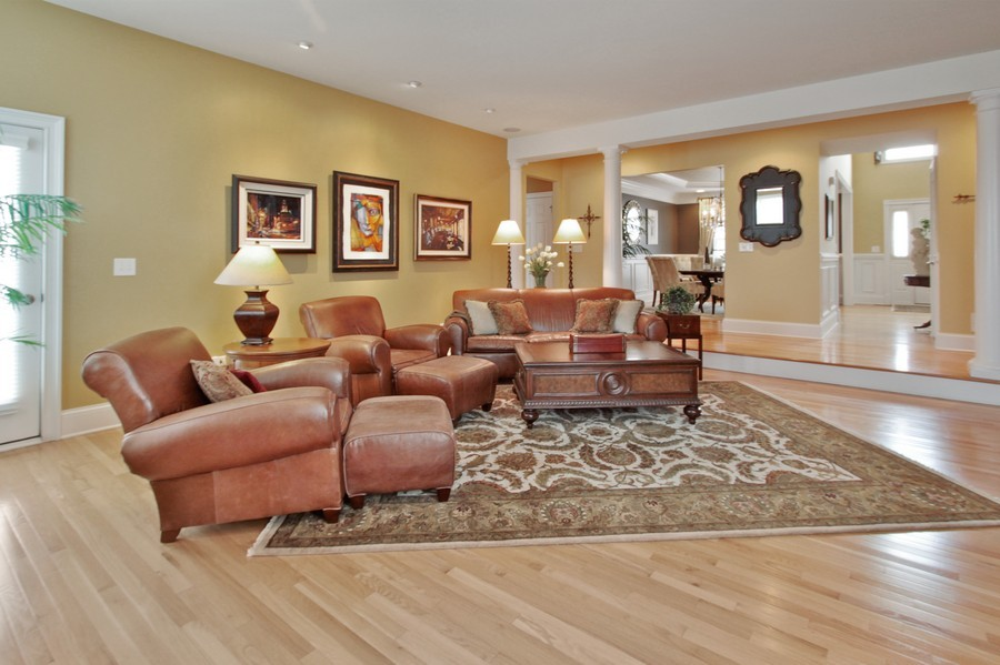 Real Estate Photography - 5331 Notting Hill Road, Gurnee, IL, 60031 - Great Room