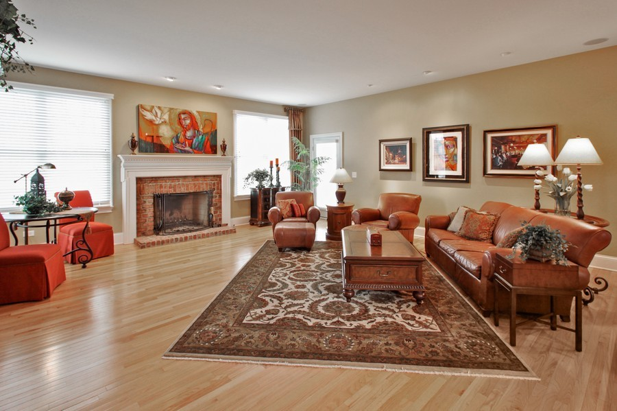 Real Estate Photography - 5331 Notting Hill Road, Gurnee, IL, 60031 - Family Room