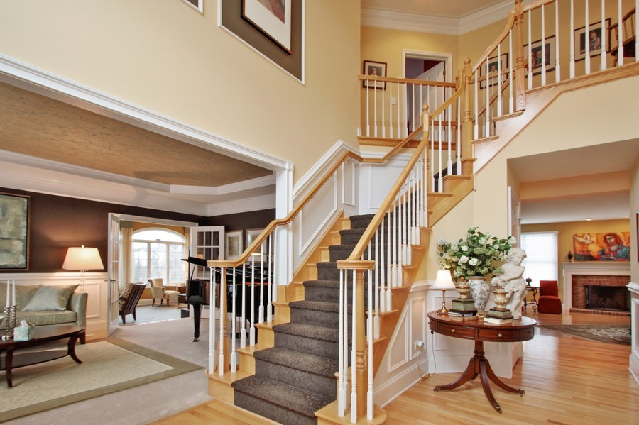 Real Estate Photography - 5331 Notting Hill Road, Gurnee, IL, 60031 - Foyer