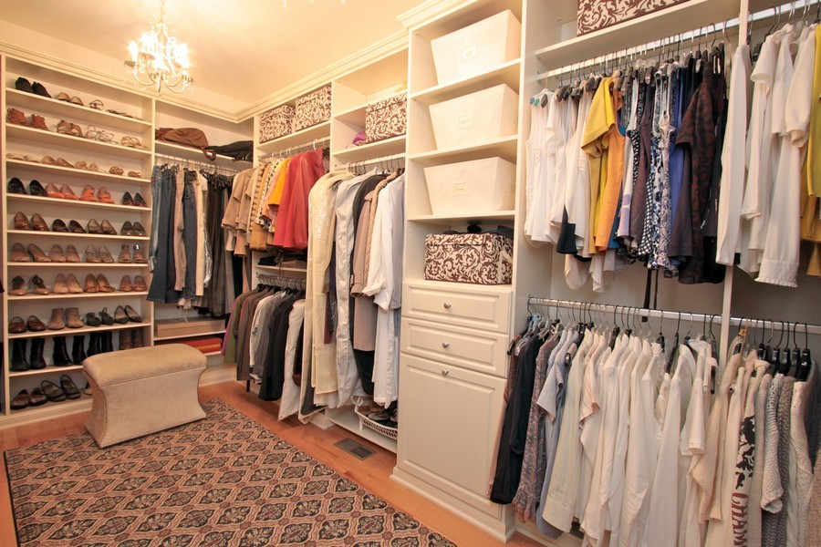 Real Estate Photography - 5331 Notting Hill Rd, Gurnee, IL, 60031 - Closet