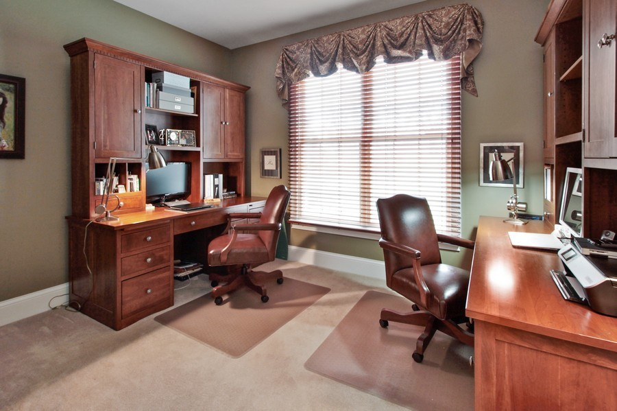 Real Estate Photography - 5331 Notting Hill Rd, Gurnee, IL, 60031 - Den