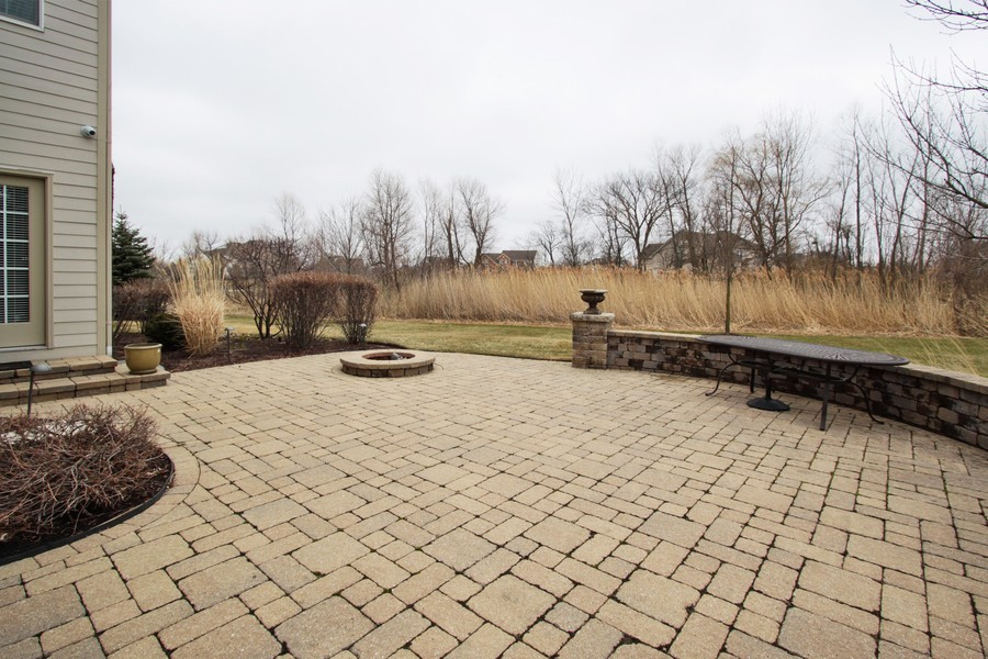 Real Estate Photography - 5331 Notting Hill Road, Gurnee, IL, 60031 - Patio