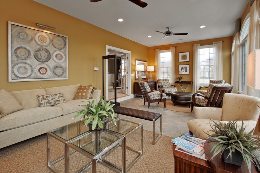 Real Estate Photography - 5331 Notting Hill Road, Gurnee, IL, 60031 - Sun Room