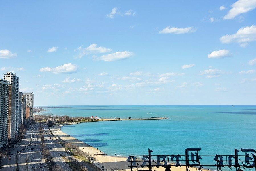 Real Estate Photography - 159 East Walton Place, #17AC, Chicago, IL, 60611 - Afternoon Lake View