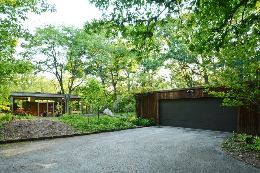 Real Estate Photography - 20841 Oak Ln, Olympia Fields, IL, 60461 - Garage