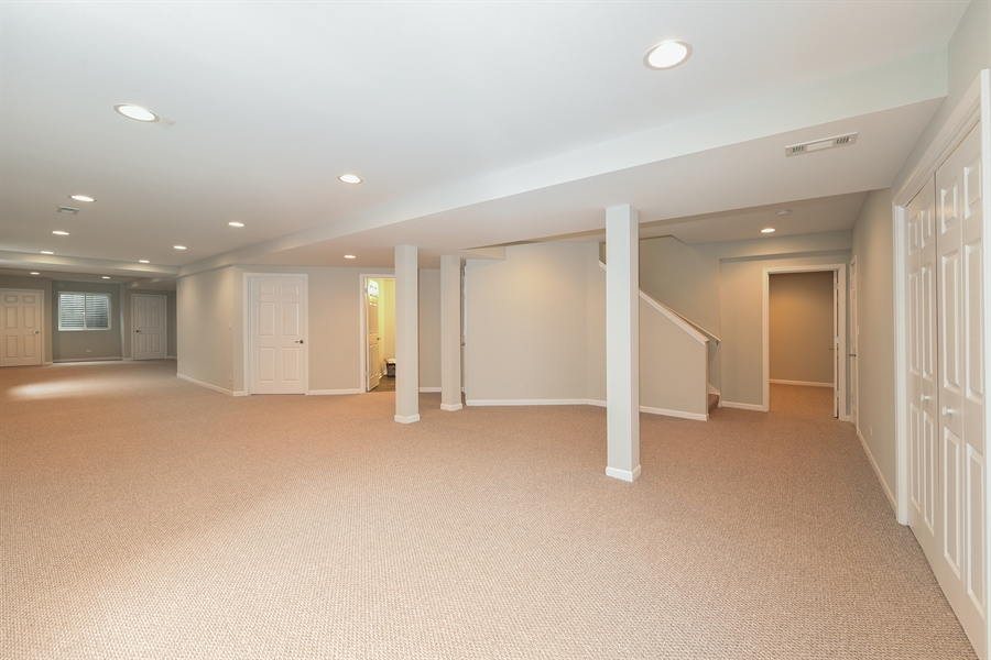 Real Estate Photography - 724 N County Line Rd, Hinsdale, IL, 60521 - Basement