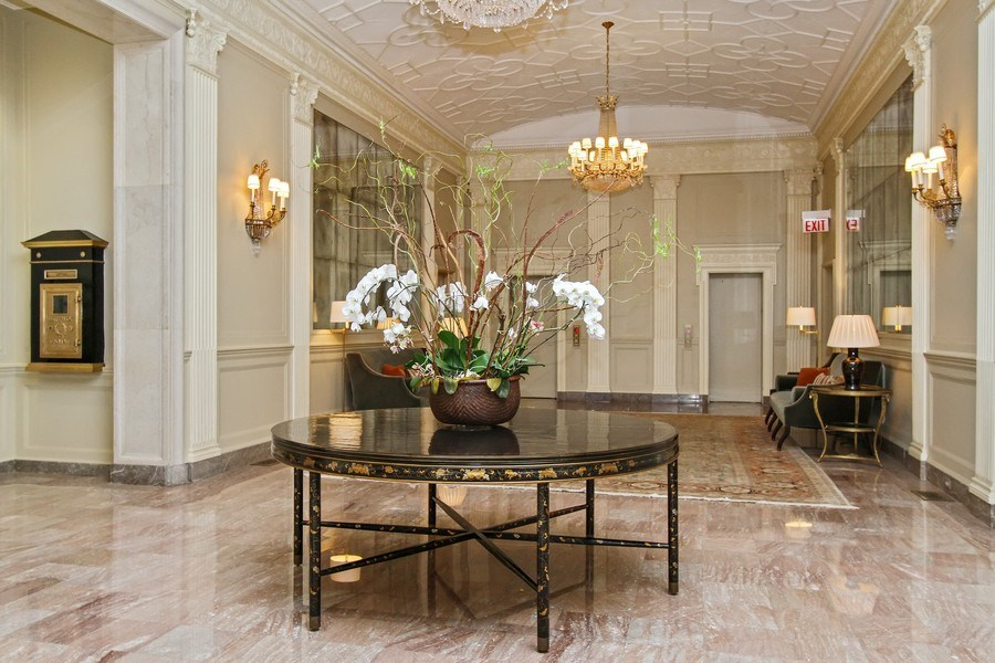 Real Estate Photography - 189 E Lake Shore Dr, Ste 18, Chicago, IL, 60611 - Lobby