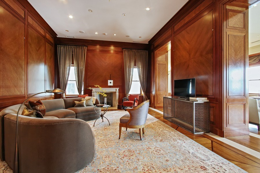 Real Estate Photography - 189 E Lake Shore Dr, Ste 18, Chicago, IL, 60611 - Family Room