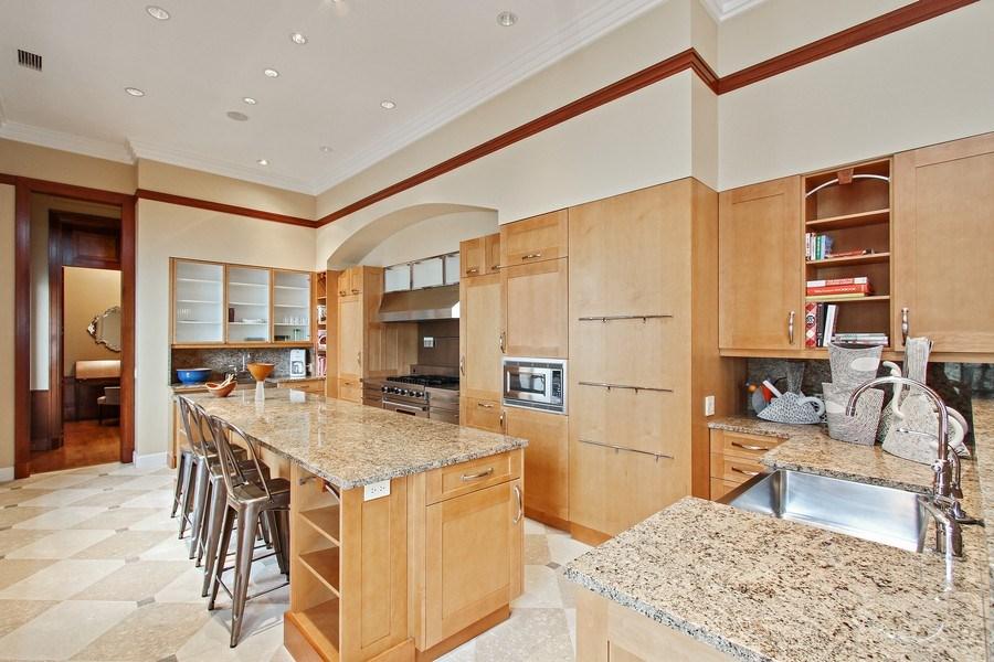Real Estate Photography - 189 E Lake Shore Dr, Ste 18, Chicago, IL, 60611 - Kitchen
