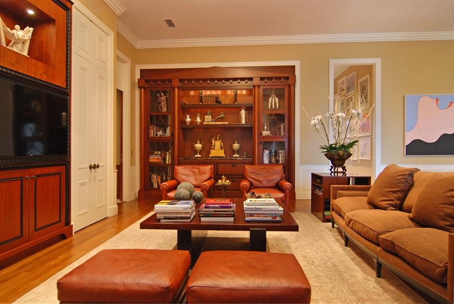 Real Estate Photography - 189 E Lake Shore Dr, Ste 18, Chicago, IL, 60611 -