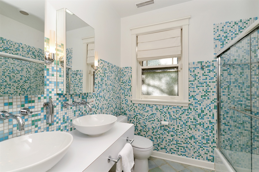 Real Estate Photography - 740 West Hutchinson St, Chicago, IL, 60613 - 2nd Bathroom