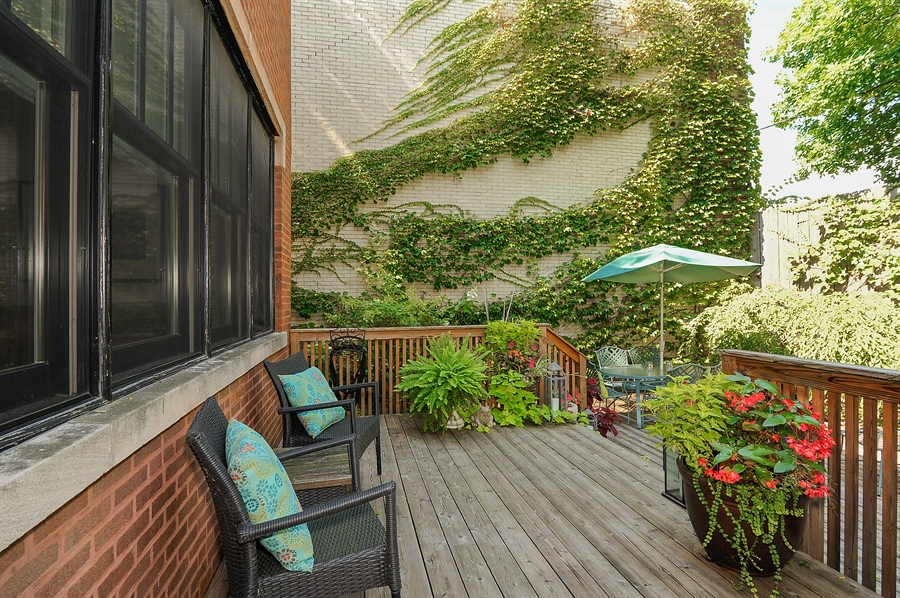 Real Estate Photography - 740 West Hutchinson St, Chicago, IL, 60613 - Deck