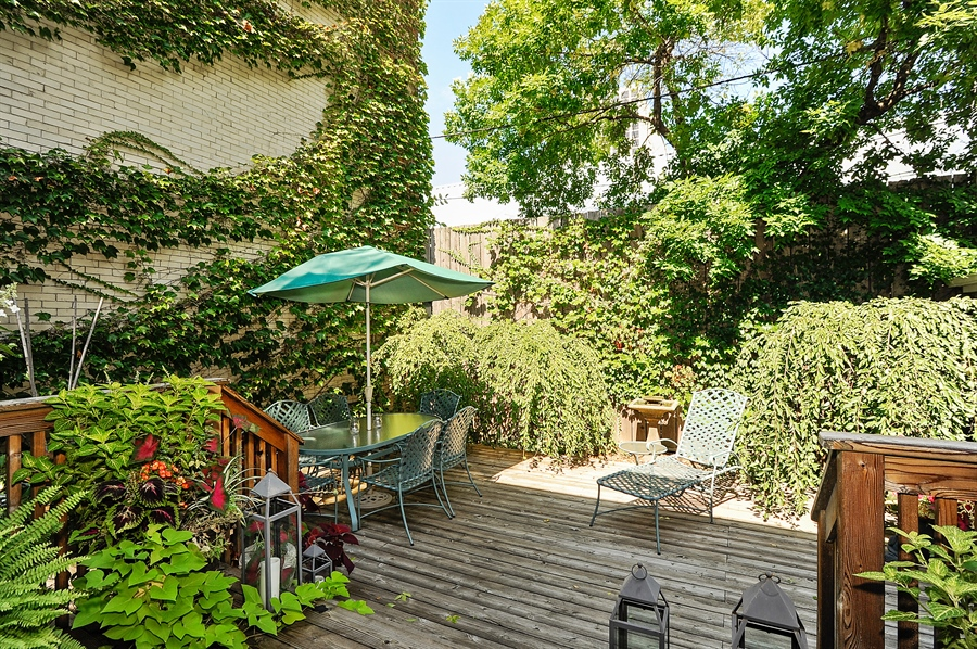 Real Estate Photography - 740 West Hutchinson St, Chicago, IL, 60613 - Location 3