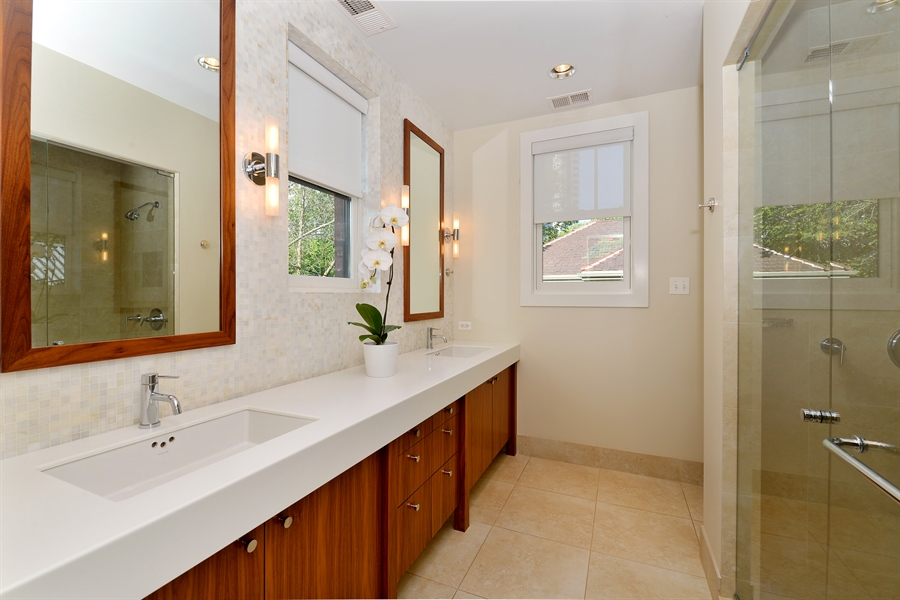 Real Estate Photography - 740 West Hutchinson St, Chicago, IL, 60613 - Master Bathroom