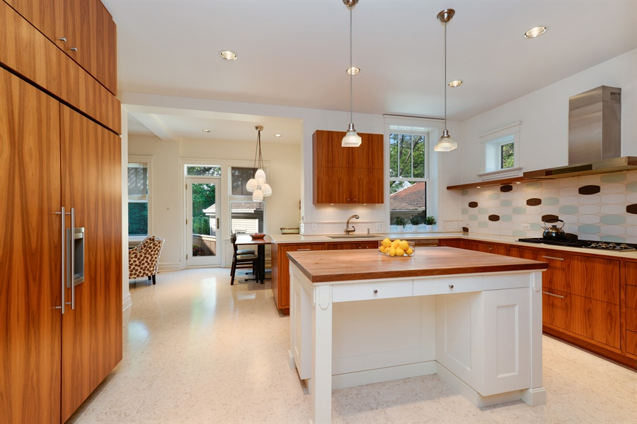 Real Estate Photography - 740 West Hutchinson St, Chicago, IL, 60613 - Kitchen / Breakfast Room