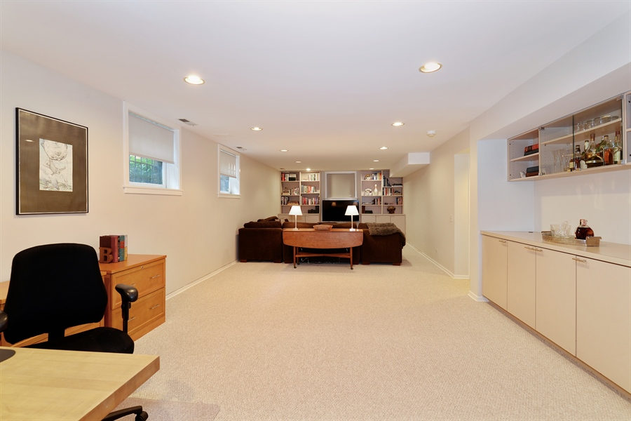 Real Estate Photography - 740 West Hutchinson St, Chicago, IL, 60613 - Family Room
