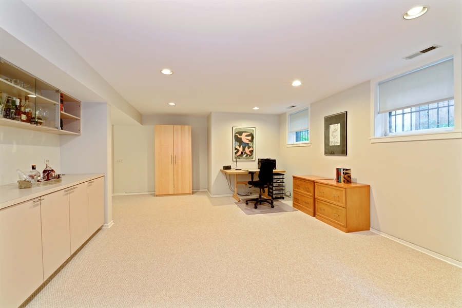 Real Estate Photography - 740 West Hutchinson St, Chicago, IL, 60613 - Office Area