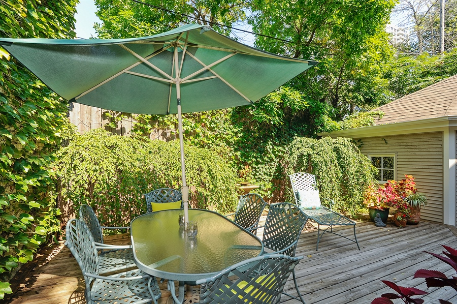 Real Estate Photography - 740 West Hutchinson St, Chicago, IL, 60613 - Patio