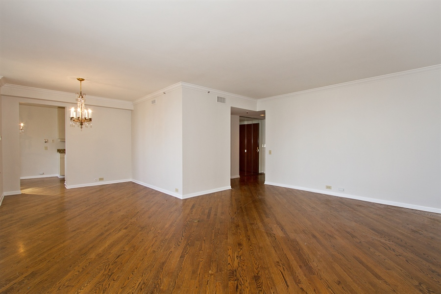 Real Estate Photography - 400 East Ohio St, 3002, Chicago, IL, 60611 - Living Room