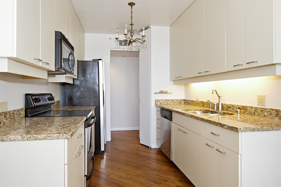 Real Estate Photography - 400 East Ohio St, 3002, Chicago, IL, 60611 - Kitchen