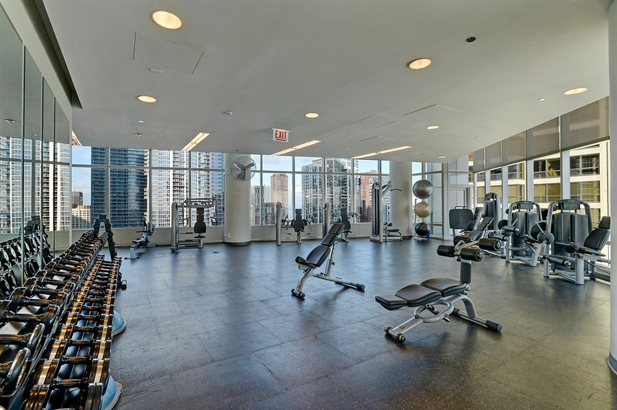 Real Estate Photography - 340 East Randolph St, 4406, Chicago, IL, 60601 - Gym
