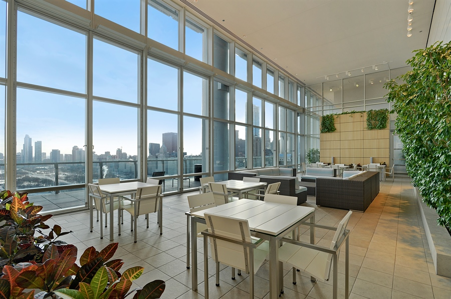 Real Estate Photography - 340 East Randolph St, 4406, Chicago, IL, 60601 - Sun Room