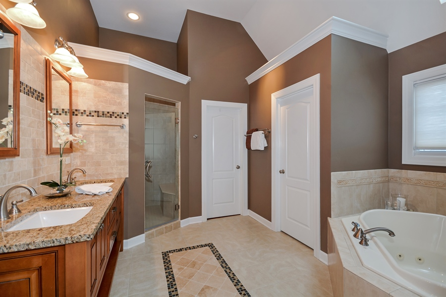 Real Estate Photography - 615 Papermill Hill Dr, Batavia, IL, 60510 - Master Bathroom