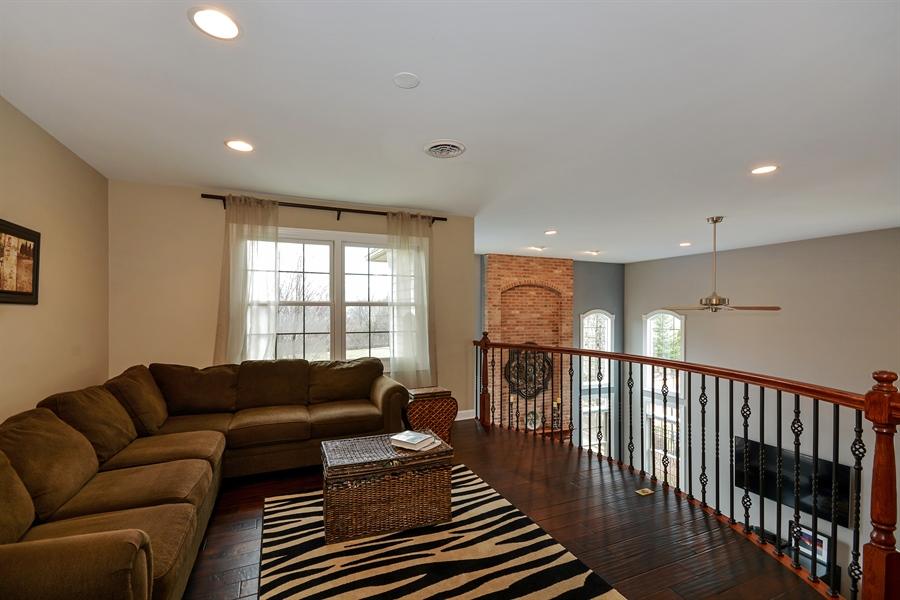 Real Estate Photography - 615 Papermill Hill Dr, Batavia, IL, 60510 - Loft