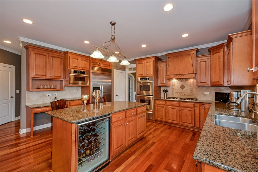 Real Estate Photography - 615 Papermill Hill Dr, Batavia, IL, 60510 - Kitchen