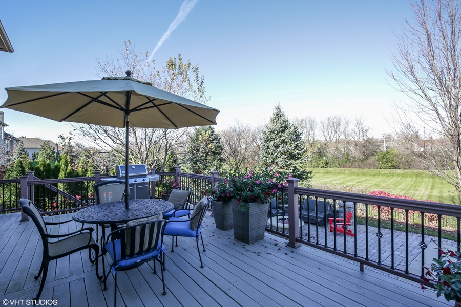 Real Estate Photography - 615 Papermill Hill Dr, Batavia, IL, 60510 - Patio