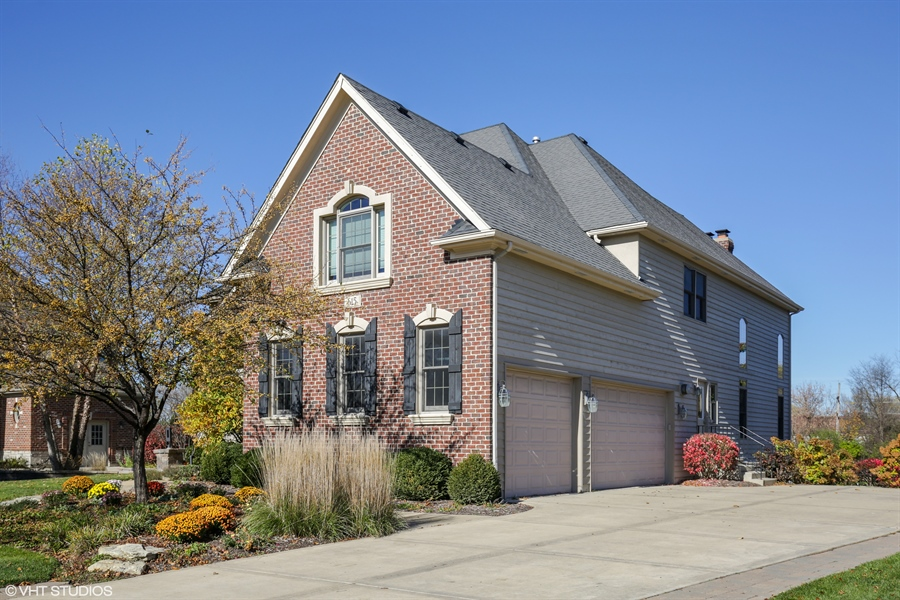 Real Estate Photography - 615 Papermill Hill Dr, Batavia, IL, 60510 - 3 Car Garage