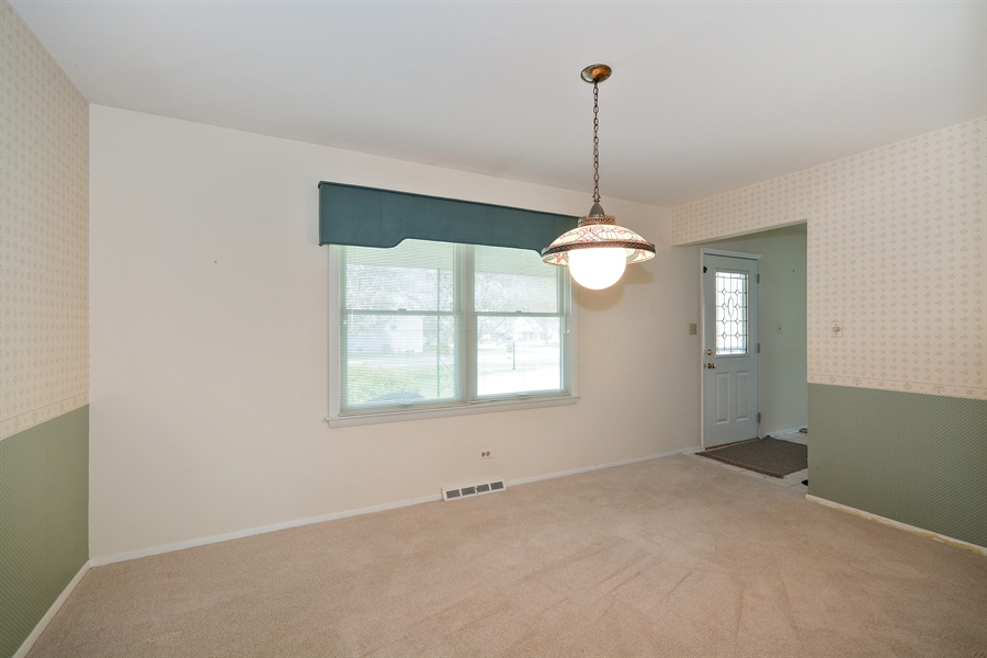 Real Estate Photography - 5S351 Columbia St, Naperville, IL, 60563 - Dining Room