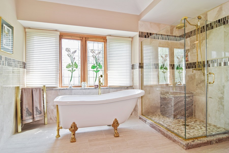 Real Estate Photography - 1581 Far Hills Drive, Bartlett, IL, 60103 - Master Bathroom