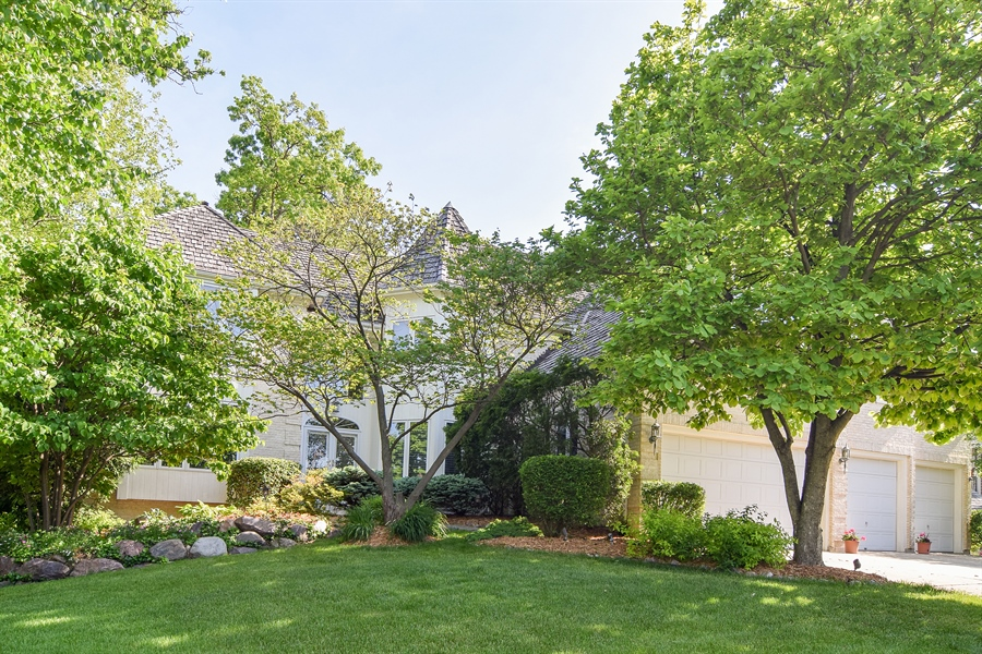 Real Estate Photography - 1581 Far Hills Drive, Bartlett, IL, 60103 - Front View