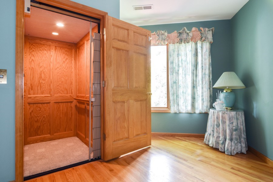Real Estate Photography - 1581 Far Hills Drive, Bartlett, IL, 60103 - Elevator