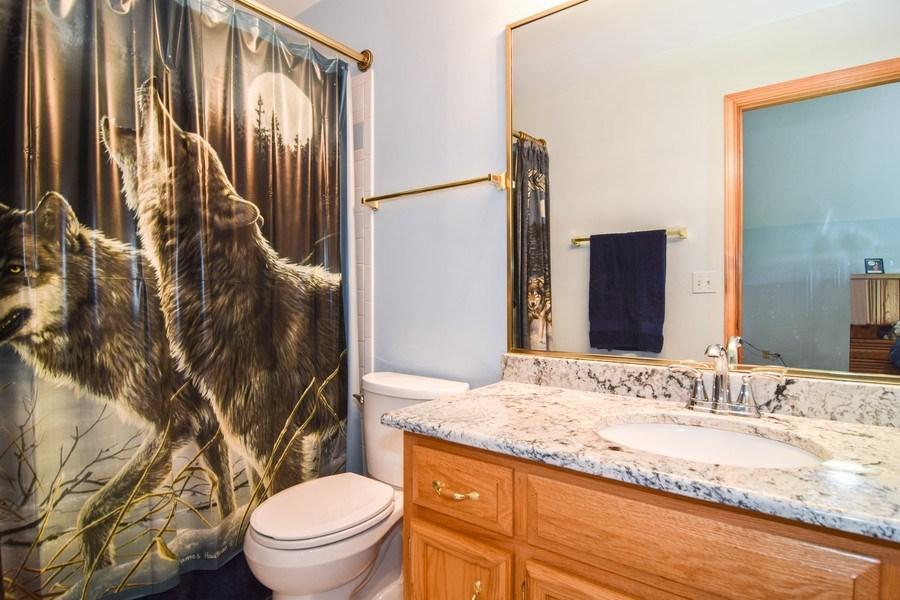 Real Estate Photography - 1581 Far Hills Drive, Bartlett, IL, 60103 - Bathroom