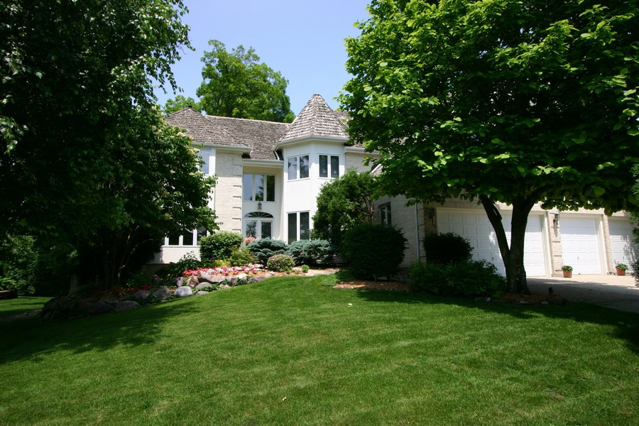 Real Estate Photography - 1581 Far Hills Dr, Bartlett, IL, 60103 - Master Bath