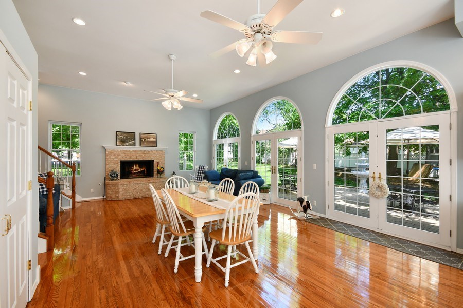 Real Estate Photography - 26W018 Bauer Rd, Naperville, IL, 60563 - Beautiful seating for your meals!