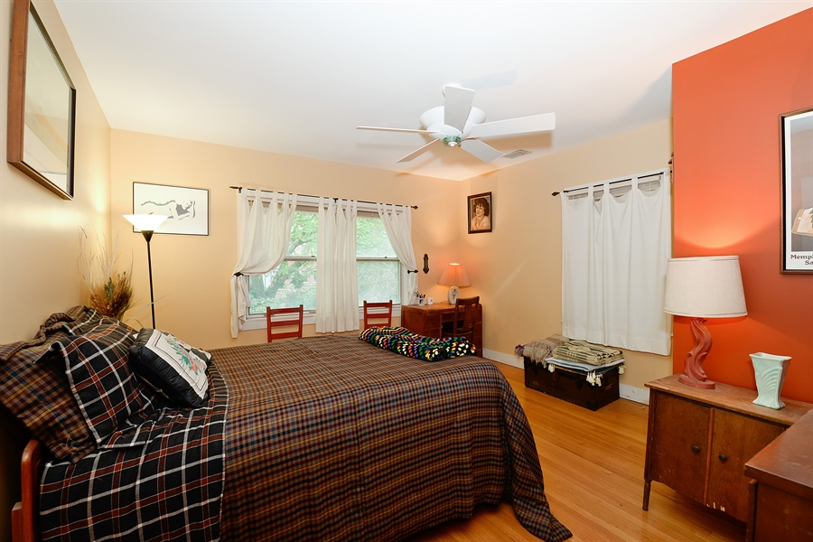 Real Estate Photography - 1444 West Birchwood Ave, Chicago, IL, 60626 - 2nd Bedroom