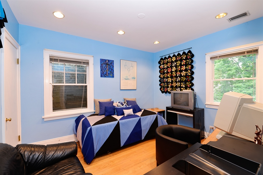 Real Estate Photography - 1444 West Birchwood Ave, Chicago, IL, 60626 - 3rd Bedroom
