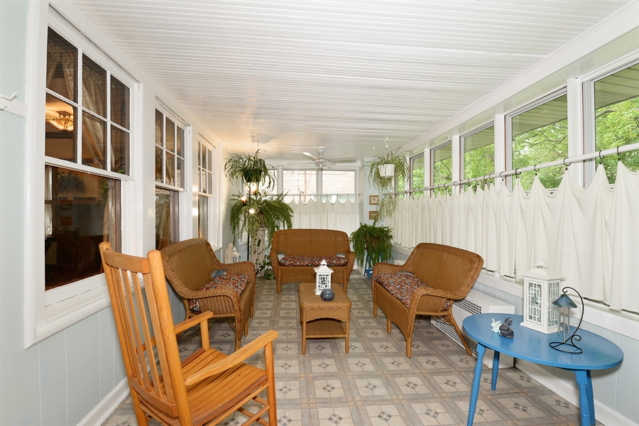 Real Estate Photography - 1444 West Birchwood Ave, Chicago, IL, 60626 - Sun Room