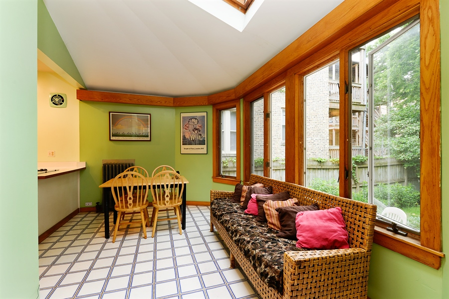 Real Estate Photography - 1444 West Birchwood Ave, Chicago, IL, 60626 - Sunroom